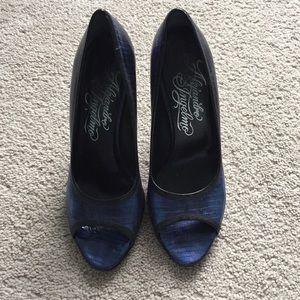 Alejandro Ingelmo peep toe heels with dust…